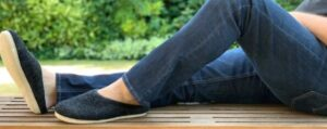how to choose mens slippers for sweaty feet