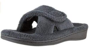 shoes for wide swollen feet