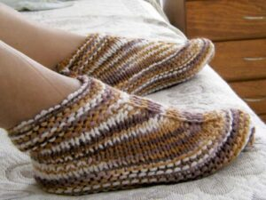 how to knit easy slippers