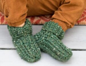 simple steps on knitting slippers