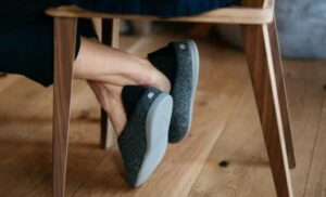 how to choose slippers on hardwood use