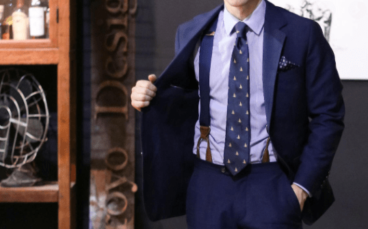 how to wear suspenders with suit in style