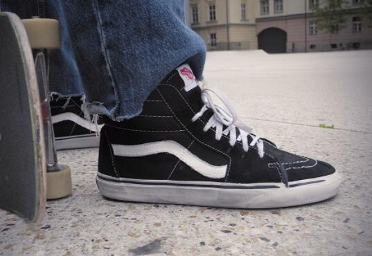 how to wear with Vans Sk8-Hi shoes