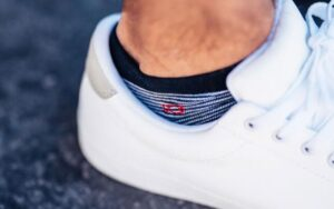 how to wear ankle socks for walking in style