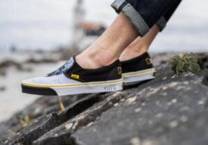 how to wear Vans slip on shoes