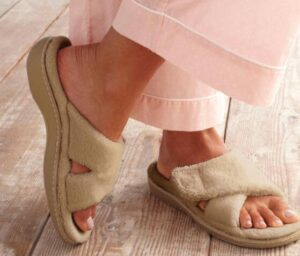 womens slip on slippers with rubber sole